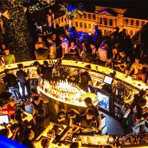 Bar club Sài Gòn,Bar hút khách nhất hiện nay ,Bar Club  Vũ Trường hot nhất Sài Gòn ,địa điểm vui chơi,sôi động tuyệt vời tại Sài Gọn ,Kiến trúc nội thất ,âm thanh tuyệt vời