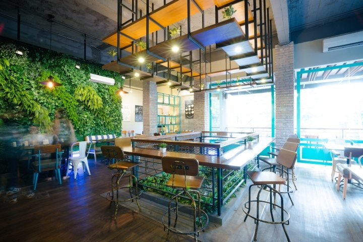thiết kế cây cảnh trong quán cafe