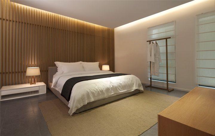thiết kế màu sắc phòng khách sạn độc đáo