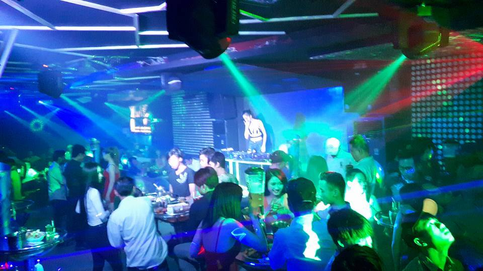 Bar club kiều 2