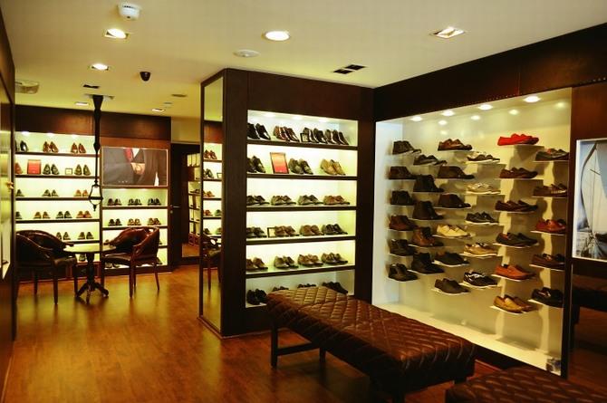 Thiết kế thi công shop giày chuyên nghiệp 2
