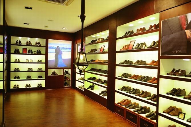 Thiết kế thi công shop giày chuyên nghiệp 5