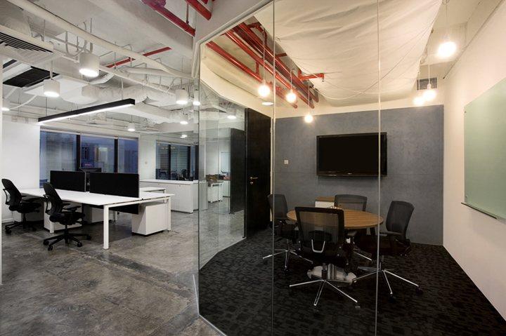 xây dựng nội thất văn phòng màu sắc nổi bật 4