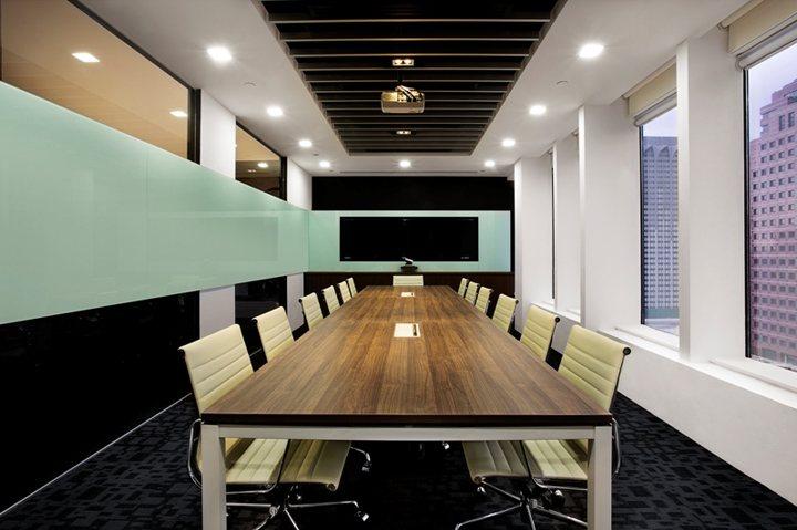 xây dựng nội thất văn phòng màu sắc nổi bật 5