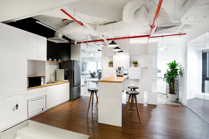 xây dựng nội thất văn phòng màu sắc nổi bật 7