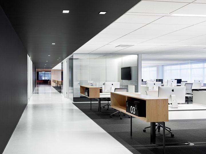 thiết kế nội thất văn phòng màu sắc nổi bật 2