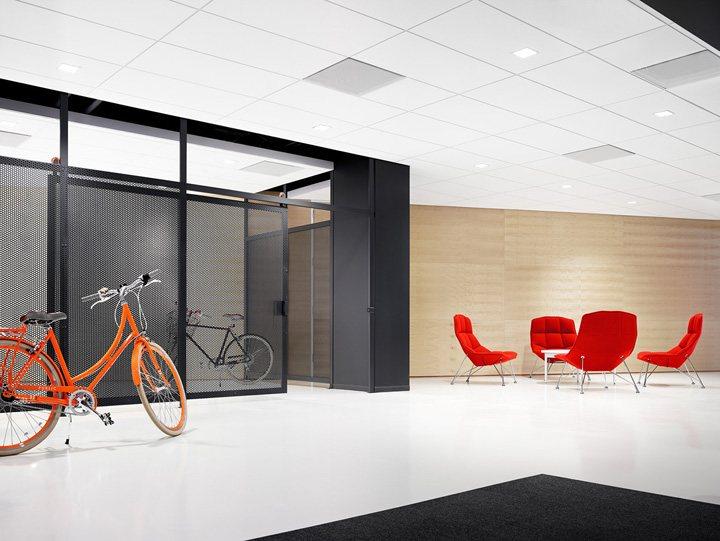 thiết kế nội thất văn phòng màu sắc nổi bật 8