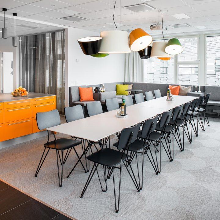 thiết kế bàn ghế phòng họp ấn tượng