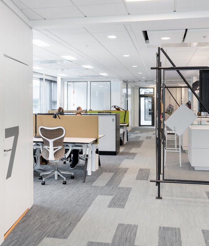 thiết kế bàn ghế văn phòng hiện đại