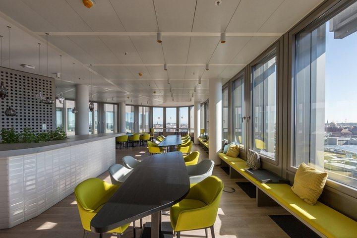 thiết kế nội thất bàn ghế văn phòng hiện đại