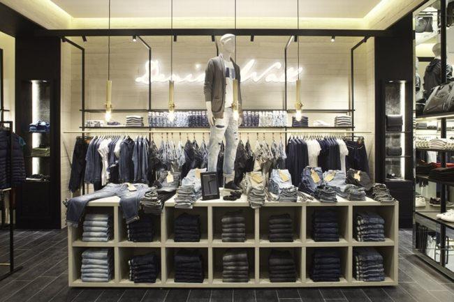 các mẫu thiết kế shop quần áo